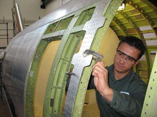 Montage de structure en aérospatiale